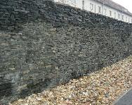Andezit suchá zeď